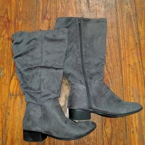2 for 15$ Maurice's Wide Leg Boot